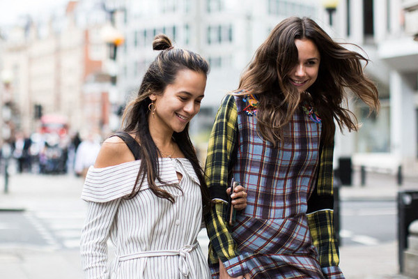 The Best Street Style at London Fashion Week Spring 2017