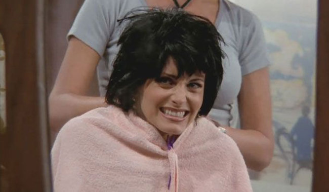 8 of the Funniest Hairstyles From 'Friends' - Small Screen ...
