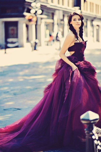 Vera Wang Plum Perfection - Dreamy Wedding Dresses That Aren\'t ...