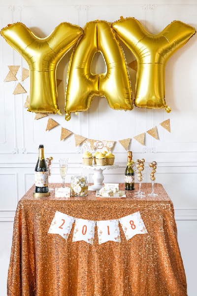 Sparkle Themed New Year New Year S Eve Party Themes To Try This