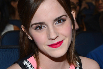 Report - Emma Watson to Take Lead Role in 'Fifty Shades of Grey'