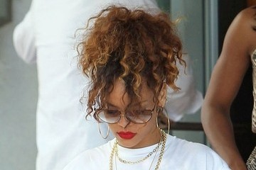 Rihanna's Cool and Casual Ponytail