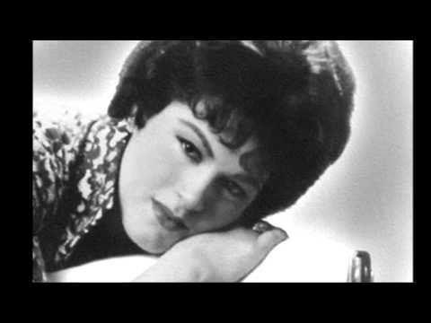"""1961: """"I Fall To Pieces"""" by Patsy Cline"""