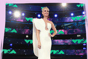 The Only Looks You Need to See From the MTV VMAs 2017