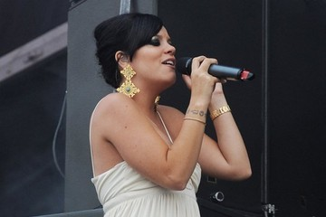 Great Hair Day: Lily Allen's Elegant French Twist