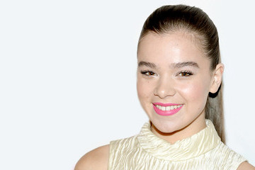 Hailee Steinfeld's Most Darling Red Carpet Looks