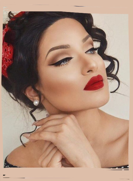 Retro Beauty Looks That Are Perfect For The Holidays