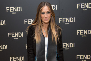Sarah Jessica Parker Designs Accessories for NYFW, Old Navy Taps New Style Ambassadors and More