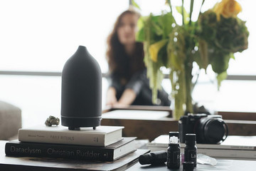 Feel At Home Anywhere With Mood-Enhancing Essential Oils