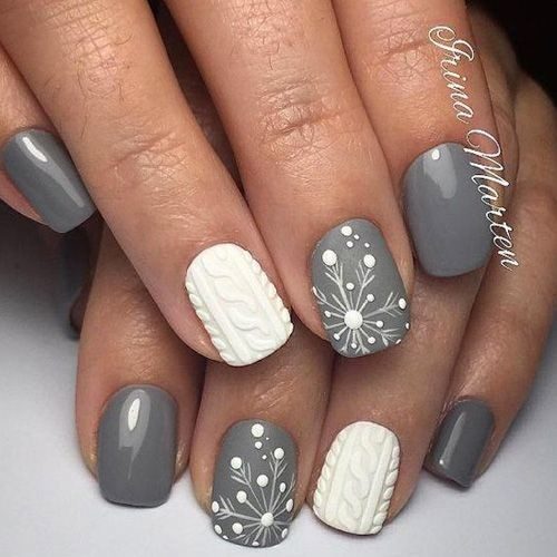 Textured Snowflake Manicure