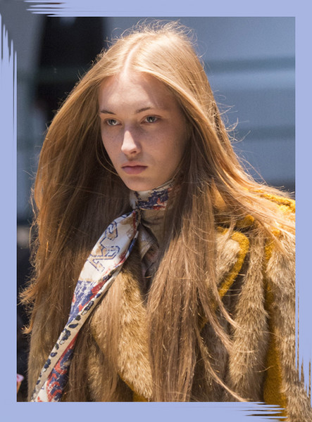 The Most Fabulous Details From The Parisian Runways For Fall 2018