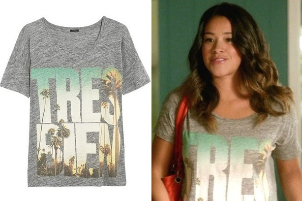 Gina Rodiguez's Gray Graphic T-Shirt on 'Jane the Virgin'