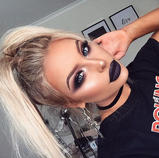 Goth Inspired Glam Smokeshow Makeup Ideas Perfect For A