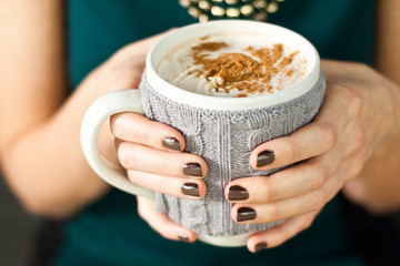 Sips and Tips: Vanilla Cinnamon Spiked Hot Chocolate and a Double-Dip Manicure