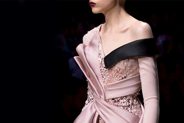 Versace's Most Glamorous Couture Details of the Decade