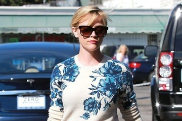 Reese Witherspoon's Floral Sweatshirt