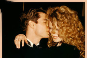 The Most Iconic Golden Globes Red Carpet Couples Of The '90s