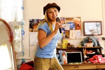 Hilary Duff Is Returning As Lizzie McGuire