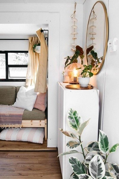 Use Command Hooks For Curtain Rods