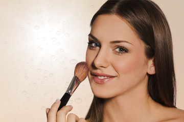 Tuesday Tip: How to Sweatproof Your Makeup