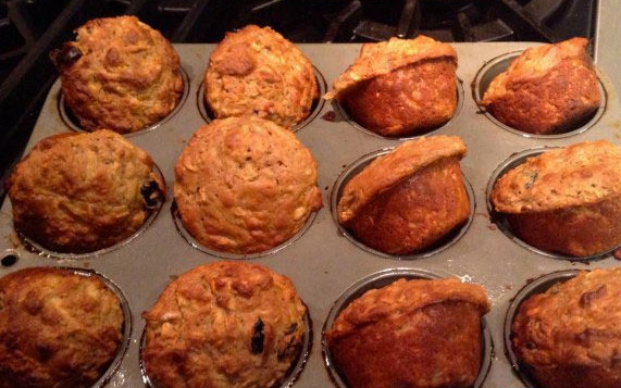 100-Calorie Apple Oatmeal Muffins