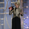 Emma Thompson Goes On Stage With Accessories In Hand