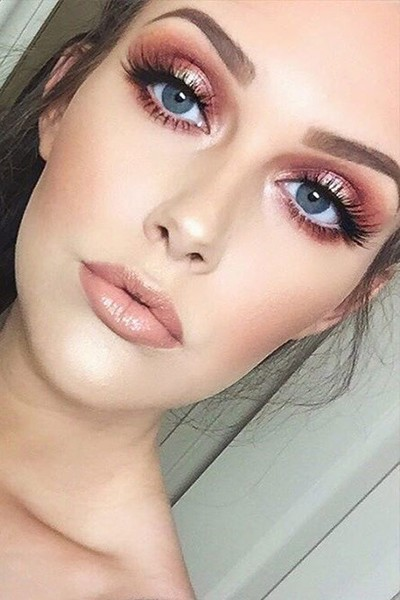 Simple Rose Gold Makeup Look
