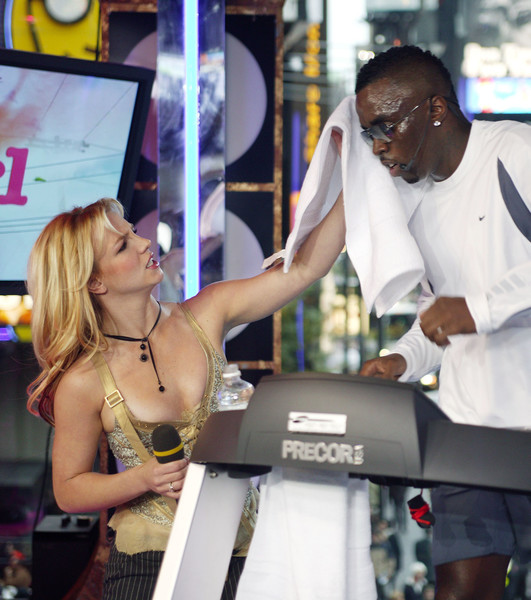 When Diddy Ran On A Treadmill And Britney Spears Wiped His Sweat