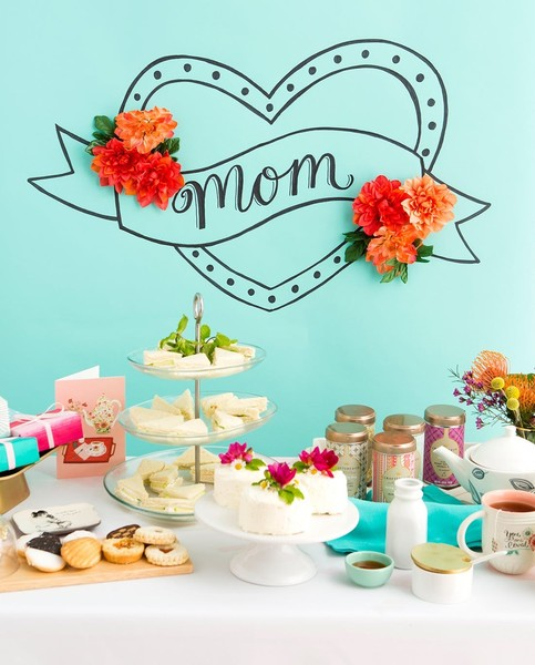 Mom Heart Wall Decal