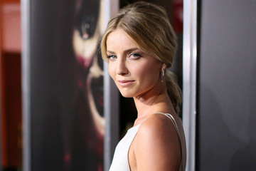 Hair Envy: Annabelle Wallis' Toussled Ponytail
