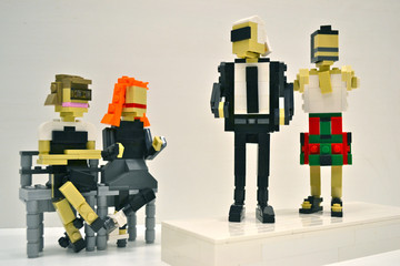 Anna Wintour Gets Her Own Lego for Fashion Week, Naomi Campbell's Charity Fashion Show and More