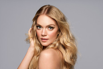Join Lindsay Ellingson For a Live Twitter Q&A Tomorrow