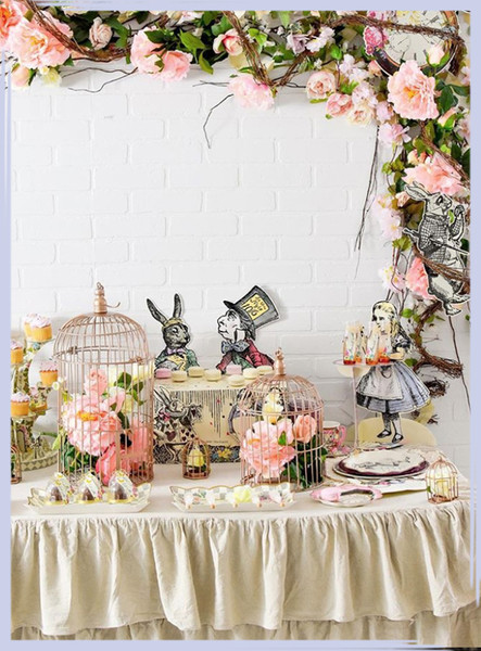 'Alice In Wonderland' Birthday Party Ideas
