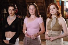 Holly Marie Combs Continues To Despise The 'Charmed' Reboot Like The Rest Of Us