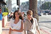 Justin Bieber and Selena Gomez enjoy an afternoon stroll along the Santa Monica Pier. .