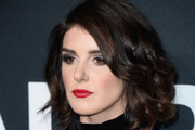 Shenae Grimes Curled Out Bob