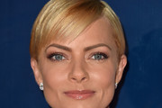 Jaime Pressly Side Parted Straight Cut