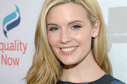 Maggie Grace Medium Wavy Cut