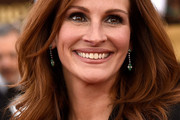 Julia Roberts Long Wavy Cut