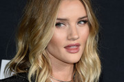 Rosie Huntington-Whiteley Medium Wavy Cut