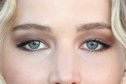 Jennifer Lawrence Neutral Eyeshadow